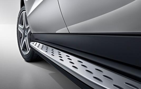 Peldaño, De efecto aluminio con tacos de goma | Accesorios Originales Mercedes-Benz