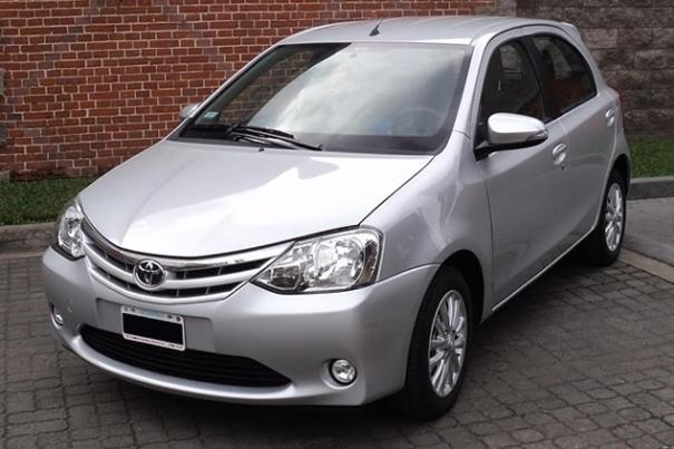 Toyota Etios XLS 1.5M/T